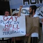 הומופוביה, מצעד הגאווה בירושלים 2010. צילום: מאור ברזני
